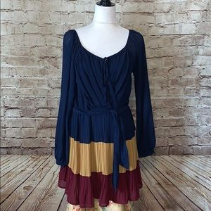 Stunning tricolored dress Perfect for Fall!